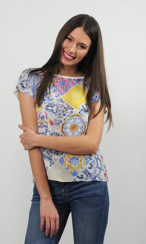 T-shirt in crepe de chine di seta e jersey - stampa mattonelle